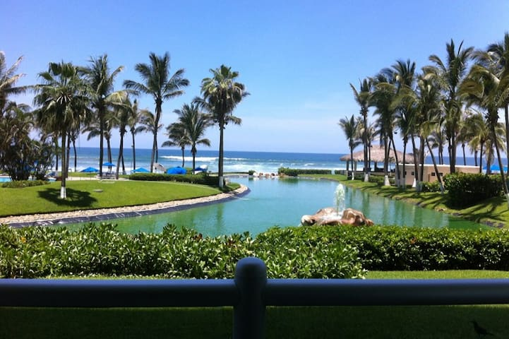 Beautiful oceanfront  2 Bedroom and free WIFI