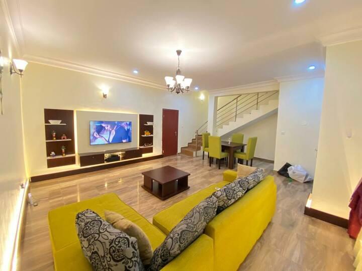 3 bedroom duplex available in chevron