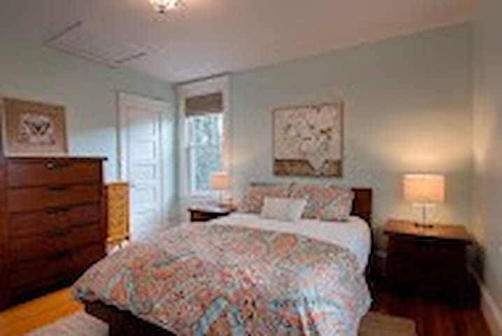Luxe Stay in Restored Craftsmen Home