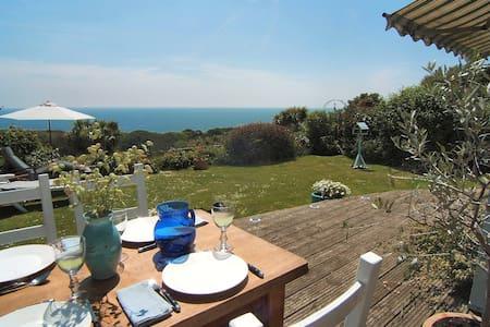 Detached house * Fab sea views - Ventnor - Casa