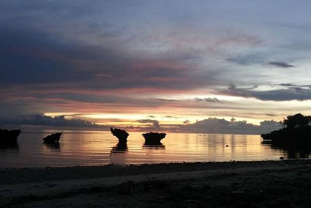 Carabao Rocksbayresort has a private sunset view point.