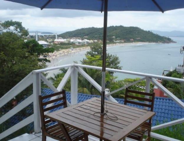 Duplex 1  praia da Lagoinha p/ 4 pessoas vista mar
