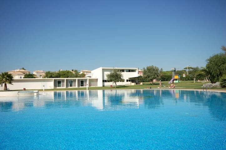 Al-Sakia Village, Pool, Beach & Golf - Quarteira - Pis