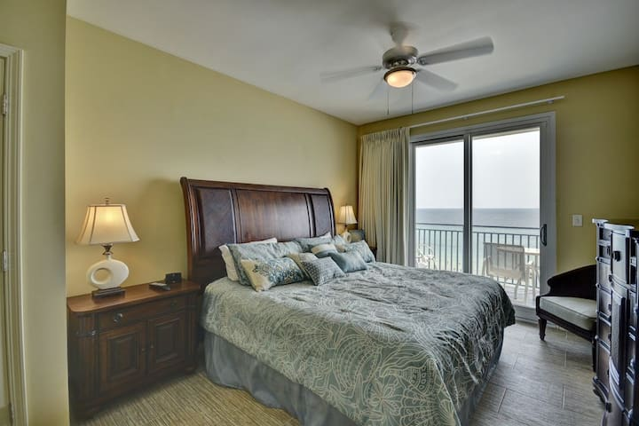 Gorgeous gulf front 3br/3ba condo 601 Sterling Breeze
