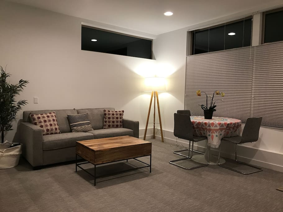 Private One Bedroom Suite With Separate Entrance Guest Suites For Rent In Seattle Washington