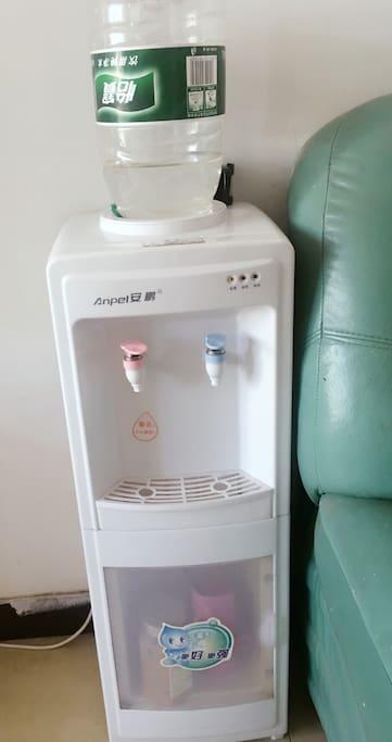 热水机,热水供应。