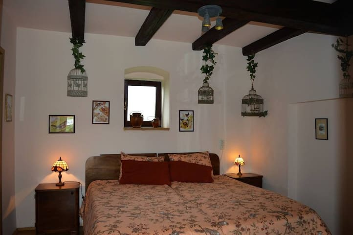 Room 2 with double bed.