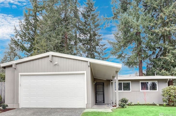 Cozy single house in Bellevue near Microsoft 3 bed