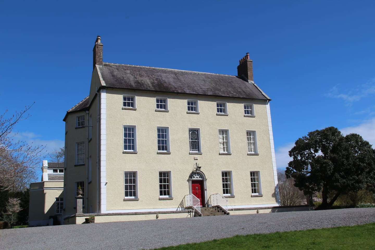 Large Period Country House dating to 1690