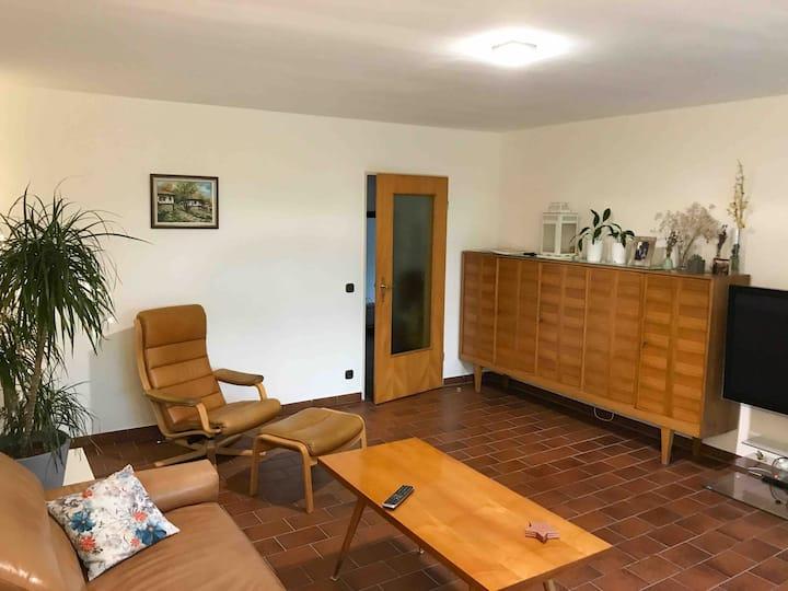 Big, bright, fully furnished apartment near BMW