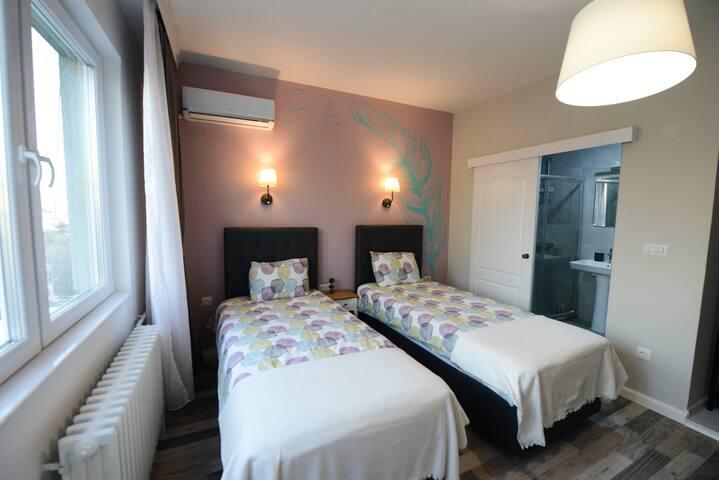 Skopje Arch apartment, bedroom 2