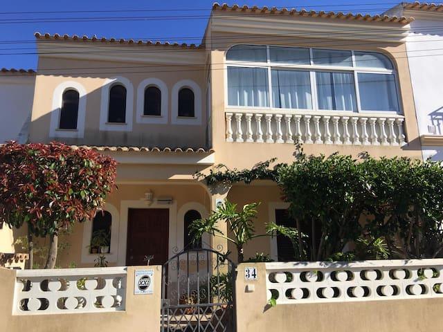 Casa Borboleta // Moradia T2 Algoz