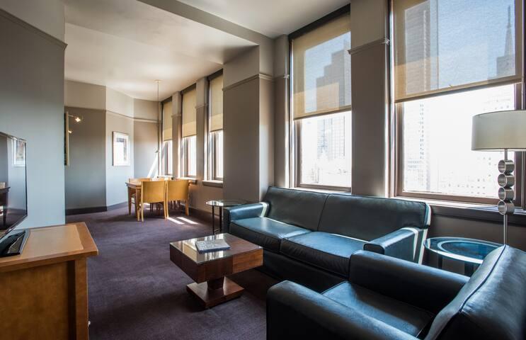 Queen Suite Downtown (10)