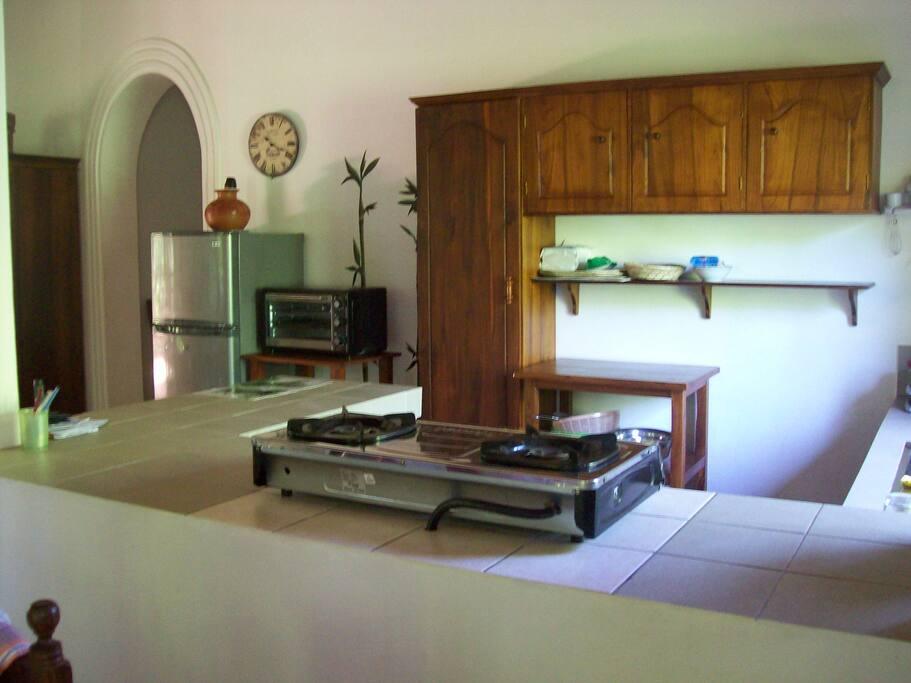 Teile der offenen Küche