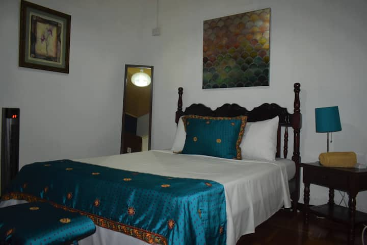 Shānti Room