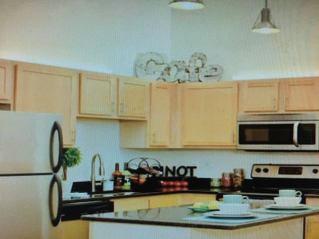 Hot bar apartment