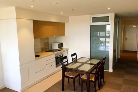 Comfortable one bedroom secure apartment - Adelaide - Huoneisto