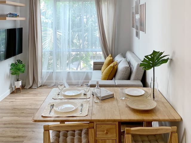 The dining table which can be folded when you need more space.