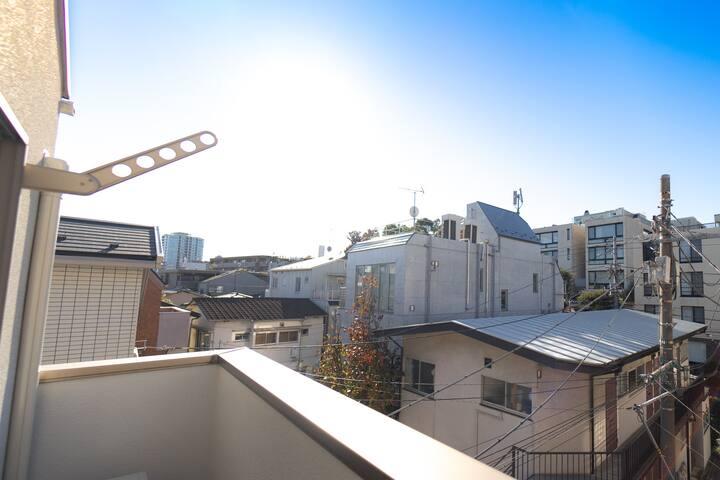 3F :  バルコニーの眺望 / Balcony view