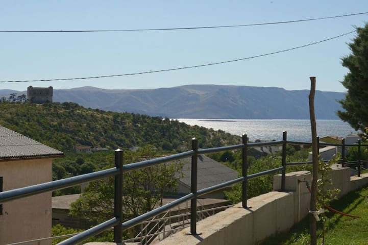 Cozy 2Bd with Parking included - Senj - Appartement