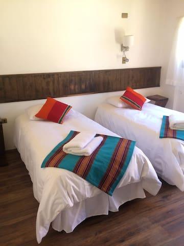 Linda habitación con baño privado - San Pedro de Atacama - Bed & Breakfast
