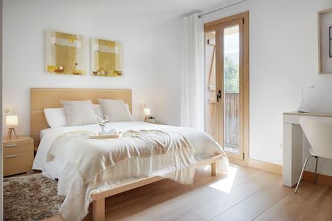 Room in hamlet 15 km from San Sebastian