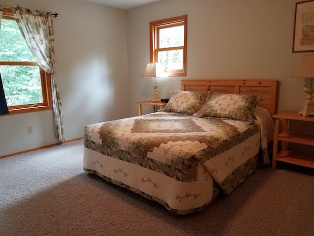 Bedroom 2-queen bed 2nd flr.