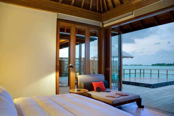 LAGOON SUITE WITH PLUNGE POOL
