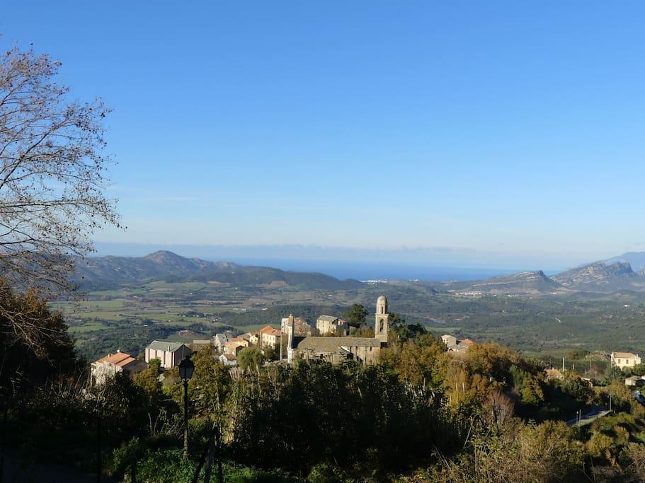 Vue sur le Golfe de St Florent depuis le village de Vallecalle