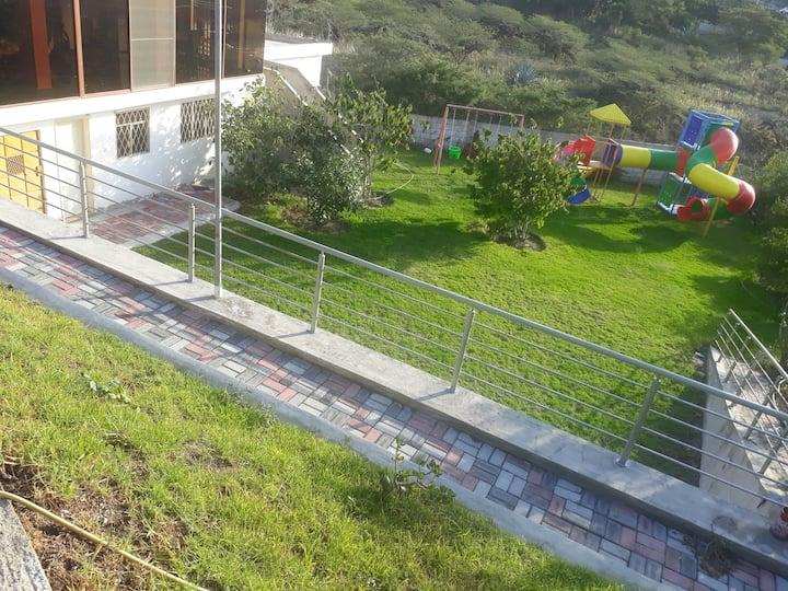 Alojamiento sano A 15 minutos  aeropuerto Quito.