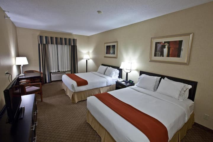 Heavenly Double Two Double Beds At Elizabeth City