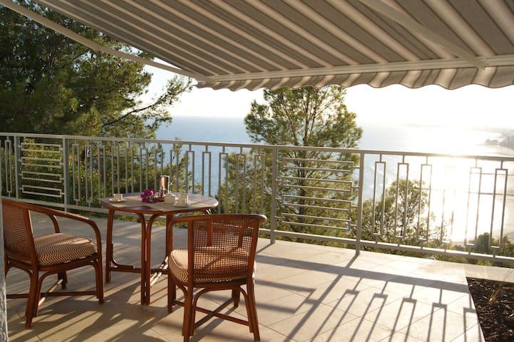 ✴ Luxurious 4 Bedroom Villa in Benicassim ✴