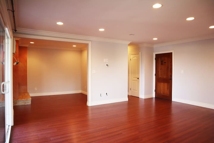 NOHO West Walking Distance Remodeled CONDO