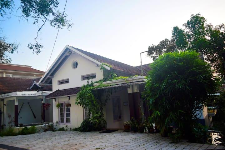 75yr old Colonial Christian Villa in Kerala