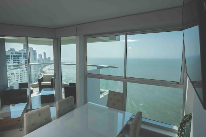Exclusivo apartamento frente al mar. MURANO ÉLITE