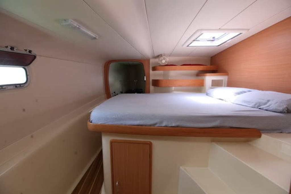The cabin can comfortably accommodate three people