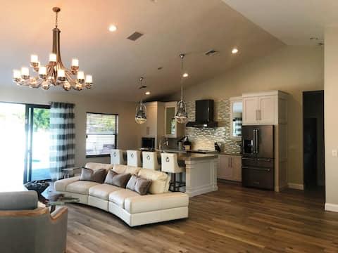 FULL Reno LARGE Beach House w/ Pool & Spa