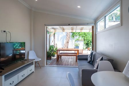 A/C, wifi, parking, closed to shops - Balmain - Maison
