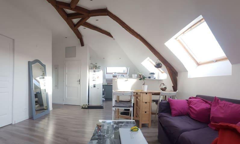 Chambre lit double, proche Fontainebleau et Moret