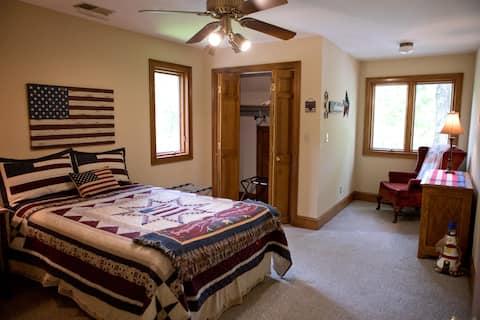 """The Manor at Becks Lake- """"Americana"""" Room"""