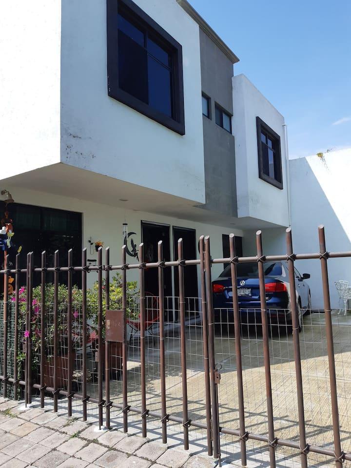Amplia casa nueva en fraccionamiento privado