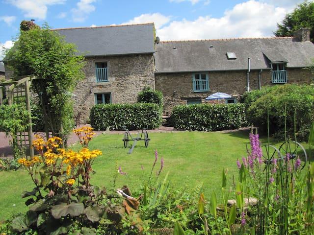 Quehujean gites Gomene Brittany - Gomené - Haus