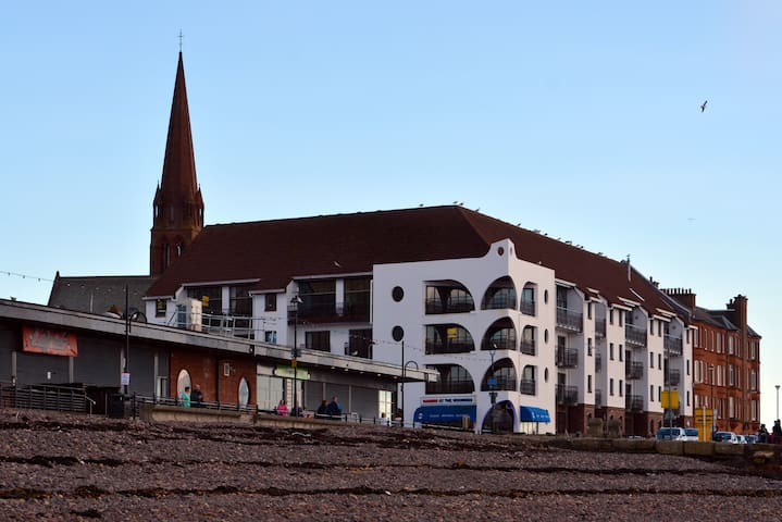Fabulous Seafront Apartment - Largs - Apartamento