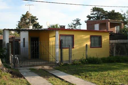 casa -apto al frente - Salinas