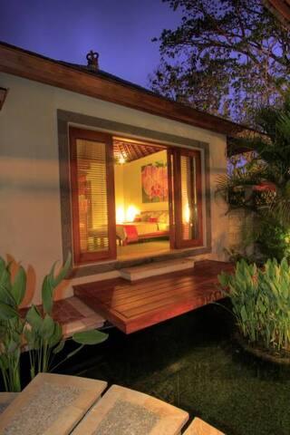 Bali Lotus II Villa one bed Room - North Kuta - Villa