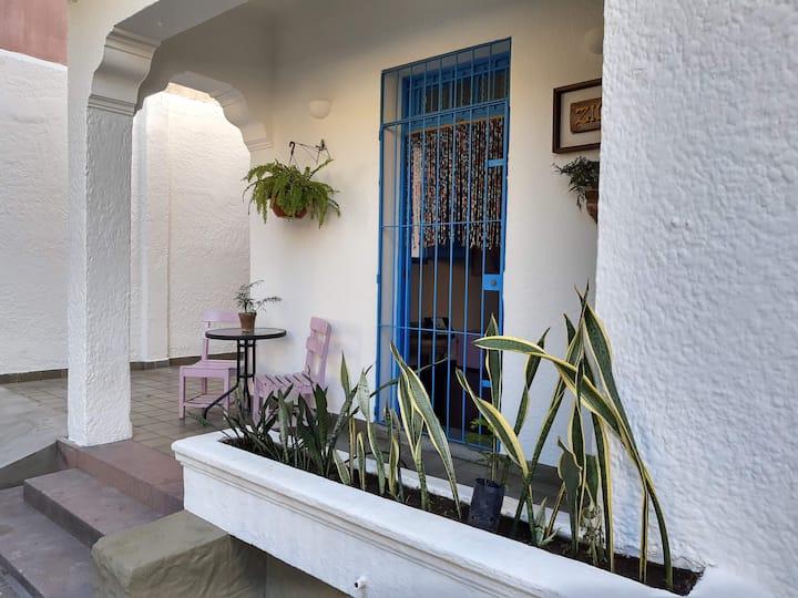 ZILI PE - COMP MISTO · Hospede-se em um hostel no coração do Recife