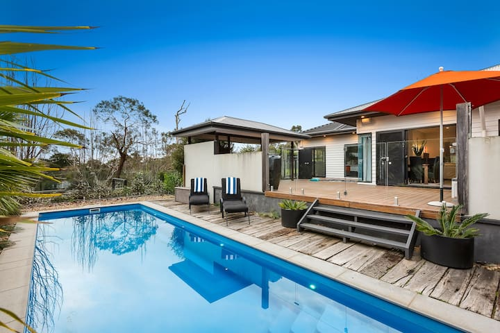 Kamala - Luxury Mount Martha Retreat with pool