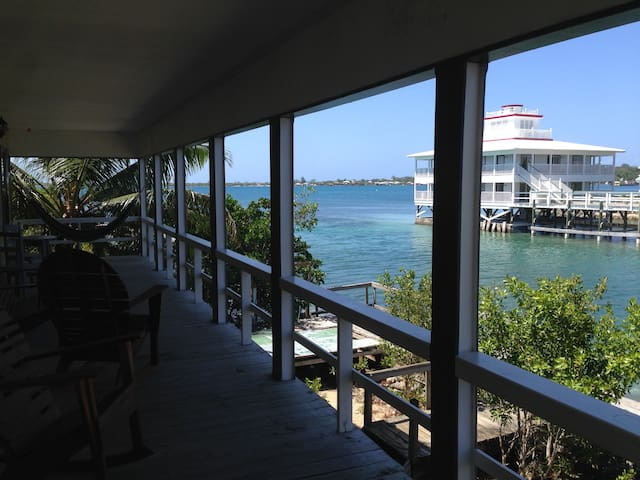 Tropical Paradise - Water Front - Utila - Apartment