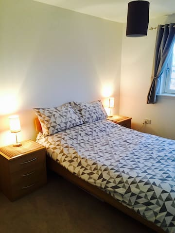 Fresh and Clean Private Double Room - Stirling - Lägenhet