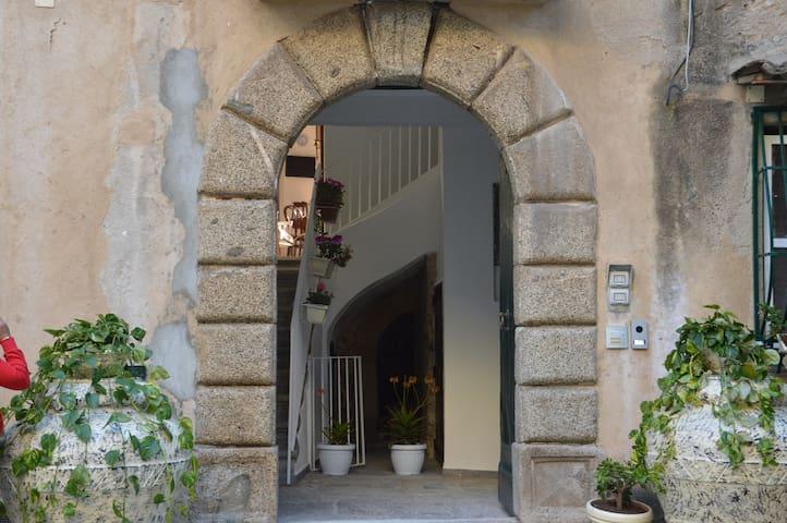 Residenza Amante affaccio2 sul corso di Tropea